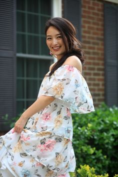 Looking for the perfect summer dress?  Check out Sensible Stylista's latest find of the day post to see why this tiered floral midi is an absolute must have.    New posts every Monday, Thursday and Saturday - follow for glam living on a budget!  #asian #korean #florals #mididress #summerclothing #summerclothes #summerdresses #summerdress #floraldress Cute Spring Outfits, Casual Summer Outfits, Classy Outfits, Modest Dresses, Summer Dresses, Chic Summer Style, High Fashion Looks, Stylish Clothes For Women, Floral Midi Dress