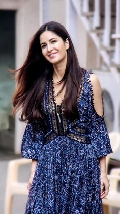 During Fitoor promotions. Everything about Fitoor era was unbelievably pretty Katrina Kaif Wallpapers, Katrina Kaif Images, Katrina Kaif Hot Pics, Katrina Kaif Photo, Indian Celebrities, Bollywood Celebrities, Bollywood Fashion, Tropical Fashion, Indian Designer Wear