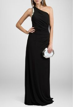 PowerLook Aluguel de Vestidos Online -POWERLOOK Vestido Sophia longo de um ombro Powerlook - preto #sophia #vestidolongo #umombroso #vestidopreto #vestidocasamento #vestidofesta #vestidomadrinha #madrinha #noite