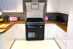 An Innova Luca Gloss White Kitchen
