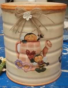 1 million+ Stunning Free Images to Use Anywhere Painted Trash Cans, Painted Wine Bottles, Painted Jars, Tin Can Crafts, Diy Arts And Crafts, Hobbies And Crafts, Recycled Tin Cans, Mod Podge Crafts, Recycle Cans