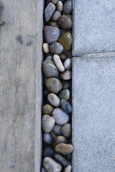 LILLA VILLA VITA: Cementplattor vs. Gatsten