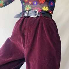 Dreeeaamy dark plum purple high waisted vintage cord trousers 🌞 in a thick ribbed corduroy that is so soft and but still lightweight and comfy ! Aesthetic Style, Aesthetic Fashion, Stylish Outfits, Cute Outfits, Cord Trousers, Purple Outfits, Trouser Outfits, Plum Purple, Corduroy Pants