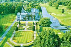 お城って小さい頃からオンナノコの憧れの場所。ヨーロッパには宿泊できるお城があるのをご存知ですか?今回はフランスとアイルランドにある宿泊できるお城を紹介します。立派な外観や豪華な内装、広々とした庭にデッキからみる絶景など魅力的すぎるフランスとアイルランドの泊まれるお城です。