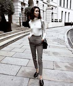 Fall Street Style Outfits to Inspire Fall street style fashion / Fashion week Fashion Mode, Work Fashion, Womens Fashion, Style Fashion, Fashion Trends, Fashion News, Workwear Fashion, Feminine Fashion, Mango Fashion