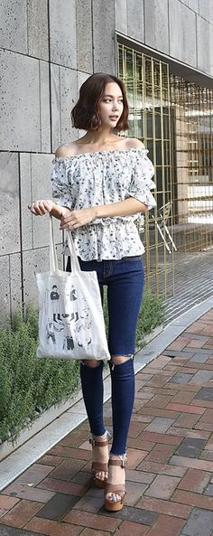 Korean Fashion Trends you can Steal – Designer Fashion Tips Korean Fashion Ulzzang, Korean Fashion Dress, Korea Fashion, Asian Fashion, Girl Fashion, Fashion Outfits, Fashion Design, Fashion Trends, Fashion Styles