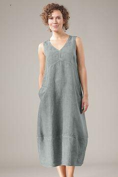Dress Wonda. M'agrada la peça del baix que fa bombolla