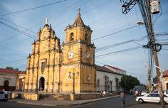 Le Nicaragua, la nouvelle destination tendance (Detour Local) -> La ville de León compte plus de trente églises différentes www.detourlocal.com/nicaragua-coup-de-coeur-destination-tendance-backpacker/