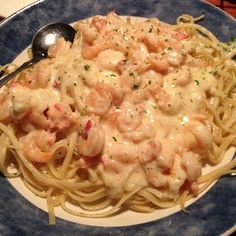 SHRIMP LINGUINE Red Lobster Restaurant Copycat Recipe 1⁄3 cup extra virgin olive oil 3 garlic cloves 1 pound shrimp, peeled, devein...