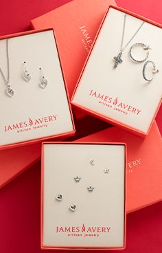 Take care of everyone on your Christmas list in a snap - these gift sets are boxed up and ready to give! James Avery, Gift Sets, Gifts For Mom, Gift Guide, Place Card Holders, How To Make, Christmas, Jewelry, Xmas