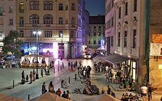 """Web prestižního deníku New York Times zařadil ve čtvrtek Brno do exkluzivního výběru míst, kam se vydat v roce 2016. Americké noviny městu daly podtitulek """"nečekaná kuchyně a noční život v mekce architektury"""". Stránky měsíčně navštíví více než 60 milionů lidí."""