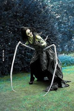 Coraline's Other Mother Cosplay