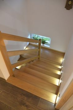 Znalezione obrazy dla zapytania balustrady schodowe drewniane House Ideas, Stairs, Summer, Vintage, Home Decor, Staircases, Living Room, Stairway, Summer Time