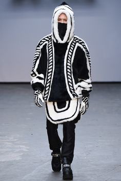 See all the Collection photos from Ktz Autumn/Winter 2015 Menswear now on British Vogue Only Fashion, Live Fashion, Fashion Show, Men's Fashion, London Fashion, Fashion Clothes, Fall Winter 2015, Winter Wear, Spring 2016