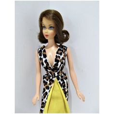 Vintage Barbie Dolls, Barbie Friends, Pink Lips, Wrap Dress, Poses, Outfits, Beautiful, Dresses, Character