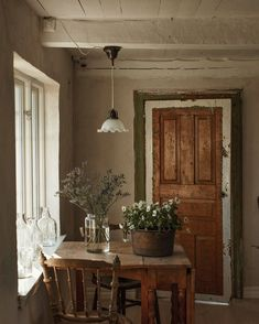 Cottage Interiors, Cottage Homes, Rustic Cottage, My Dream Home, Decoration, Interior And Exterior, Beautiful Homes, Sweet Home, Interior Decorating