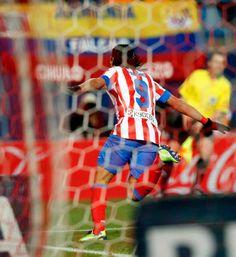 Liga 2012/13. Atlético 6 - Deportivo 0. El `Tigre´se convirtió en el segundo futbolista en la historia del Atlético, tras Vavá, en conseguir cinco goles en un partido con la rojiblanca. El colombiano ya suma 16 goles en Liga.