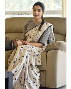 Check out this collection of best formal office wear sarees collection online from the brand The Apik store. Cotton Saree Blouse Designs, Fancy Blouse Designs, Saree Blouse Patterns, Latest Saree Blouse Designs, Blouse Styles, Wedding Saree Blouse Designs, Wedding Sarees, Kurta Designs, Saree Styles