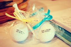 Cute golfball and tee for the party favor for guests! Photo by Sarah M. #WeddingPartyFavors #WeddingPhotographerMN