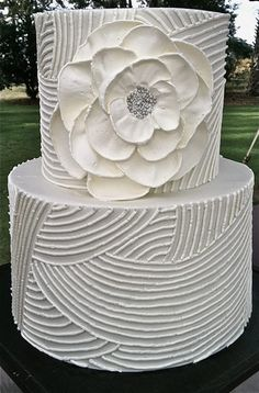 !Wedding Cakes by Jim Smeal! So pretty! Looks like all butter cream, too... Well done!