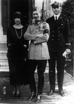 Crown Prince Carol of Romania with spouse, Crown Princess Elena , nee Princess of Greece and her brother, Prince Pavlos, later King of Greece Romanian Royal Family, Greek Royal Family, History Of Romania, 1920s Photos, Grand Duchess Olga, Haute Couture Paris, Victorian Life, Black And White Portraits, Royal Weddings