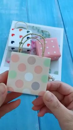 Diy Crafts Hacks, Diy Crafts For Gifts, Diy Home Crafts, Creative Crafts, Diy Projects, Decor Crafts, Adult Crafts, Diy Gifts Videos, Yarn Crafts