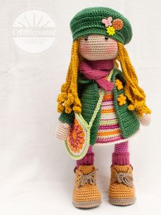 Please note: This listing is for a CROCHET PATTERN to make the pictured doll and NOT FOR A FINISHED ITEM This pattern is availabe in ENGLISH, FRENCH, DUTCH, SPANISH and GERMAN language. This listing is for an extensive PDF file which contains full instructions for crocheting and