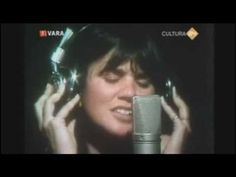 Linda Ronstadt - Tracks Of My Tears (Live) ~ 1977 70s Music, Music Mix, Music Songs, Pretty Songs, Blue Bayou, Linda Ronstadt, Country Music Videos, Music Heals, Sing To Me