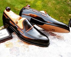 Another special and unique Made to Order coming out of the Vass workshop. Tag a friend that would wear loafers. Specifications of this piece: MODEL: Loafers LAST: F COLOUR: Black Calf and Brown trimmings from Du Puy France SOLE: Single JR from. Loafer Shoes, Loafers Men, Men's Shoes, Shoe Boots, Dress Shoes, Shoes Men, Dress Clothes, Formal Shoes, Casual Shoes