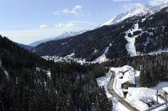Vista aerea del Residence Ambiez e di alcune delle piste di Madonna di Campiglio.