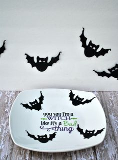 Witch Plate for Halloween | a Silhouette & Vinyl Tutorial #bats