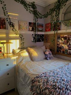 Room Design Bedroom, Room Ideas Bedroom, Bedroom Decor, Bedroom Inspo, Indie Room Decor, Aesthetic Room Decor, Cozy Room, Dream Rooms, My New Room
