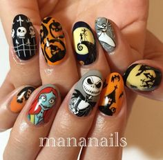 If you want to have your own Halloween nail art you should choose which design Holloween Nails, Cute Halloween Nails, Halloween Nail Designs, Christmas Nail Designs, Fall Nail Designs, Disney Acrylic Nails, Halloween Acrylic Nails, Fall Acrylic Nails, Disney Nails