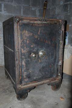 Best Vintage J Baum Safe Lock Co Floor Safe Early 1900 S 400 x 300