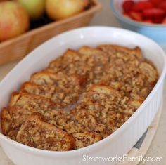 Overnight French Toast with Pecan Praline Topping {Breakfast Recipe} - Simmworks… What's For Breakfast, Breakfast Items, Breakfast Dishes, Breakfast Recipes, French Toast Casserole, Breakfast Casserole, Overnight French Toast, Pecan Pralines, Brunch Recipes