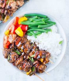 These amazing Teriyaki Chicken Skewers with sweet and savoury Teriyaki Sauce are absolutely delicious. Tender Chicken, crunchy peppers and Onion, these grilled chicken skewers are perfect appetizers for your summer barbecue. Teriyaki Chicken Skewers, Grilled Chicken Skewers, Beef Skewers, Teriyaki Sauce, Skewer Recipes, Raw Food Recipes, Grilling Recipes, Chicken Recipes, Freezer Recipes