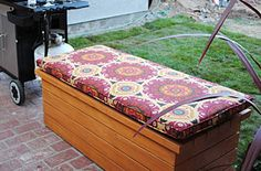 DIY Wooden Patio bench & Ottoman... need this for extra seating and storage on the patio...