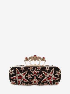 MINAUDIÈRE AVEC FERMOIR BIJOU ET ÉTOILES BRODÉES Commandez des Minaudière Avec Fermoir Bijou Et Étoiles Brodées pour Femme sur la boutique en ligne officielle de l'emblématique créateur de mode Alexander McQueen.