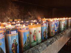 """""""14 Vós sois a luz do mundo. Não se pode esconder uma cidade situada sobre uma montanha 15 nem se acende uma luz para colocá-la debaixo do alqueire mas sim para colocá-la sobre o candeeiro a fim de que brilhe a todos os que estão em casa. 16 Assim brilhe vossa luz diante dos homens para que vejam as vossas boas obras e glorifiquem vosso Pai que está nos céus."""" (Mateus 5 14-16)  #CatólicosSomos #Católicos #Velas #GGTY #MatterEclesiæ #Fé #Faith #Fogo"""