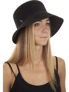 "Cloche hat ""Tete ronde"" Women Doria 1905"