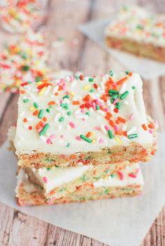 Whenever I take the kids to self-serve froyo, I always get the same 3 yogurts. Cake batter, cheesecake, and red velvet cake. I like cake. I like anything that tastes like cake. If Lay's decides tha...