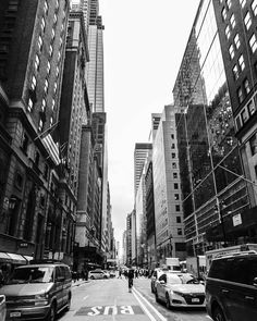 Black & white streets of New York, U. Dark City, City Painting, New York Street, City Photography, Black And White Photography, My Images, Light In The Dark, New York Skyline, Amy