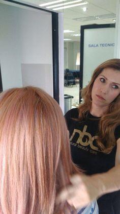 Baño Rosa Colores de nbc con un tono 10.1 + 8cm de 6.66 màs un baño de magenta con Magic System Magenta, Aurora, Long Hair Styles, Beauty, Hue, Colors, Beleza, Long Hairstyle, Northern Lights