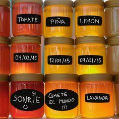 Pack de 14 etiquetas de pizarra, para anotar con tiza sobre ellas y tenerlo todo en orden. =)