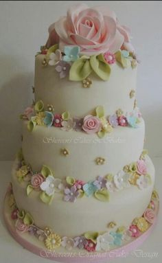 CakesDecor - a place for people who love cake decorating. Gorgeous Cakes, Pretty Cakes, Cute Cakes, Amazing Cakes, Decors Pate A Sucre, Floral Cake, Occasion Cakes, Love Cake, Macaron