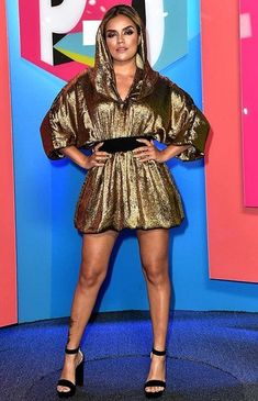 Karol G Photos Photos: Univision's 'Premios Juventud' 2017 Celebrates the Hottest Musical Artists and Young Latinos Change-Makers - Arrivals Thanksgiving Day Parade, G Photos, Fact Families, Height And Weight, Body Measurements, Bra Sizes, Coral, Celebrities, Singers
