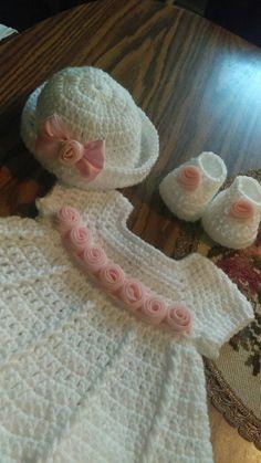 Bebé vestido de crochet blanco hermoso con por BabyBeautiful801