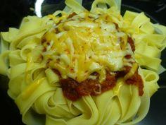 Tagliatelle con boloñesa y 4 quesos. Ver receta: http://www.mis-recetas.org/recetas/show/42725-tagliatelle-con-bolonesa-y-4-quesos