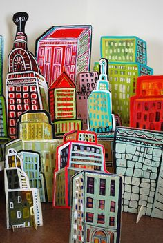 Cut-out City Barbara Gilhooly (c) 2012 acrylic, wood - Barbara Gilhooly - kunstunterricht - Hunde Cardboard Sculpture, Cardboard Art, Cardboard Crafts Kids, Art Carton, Art For Kids, Crafts For Kids, Ecole Art, Middle School Art, High School