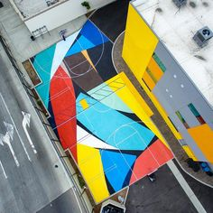 Art you can play ? Such a dope court painted by the homie with shot by Home Basketball Court, Minimal Photography, Environmental Graphics, Sports Art, Mural Art, Oeuvre D'art, Landscape Design, Art Projects, Street Art